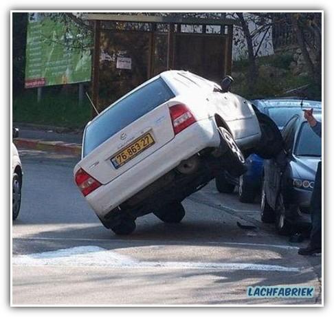 20090319_205206_vrouwen-inparkeren